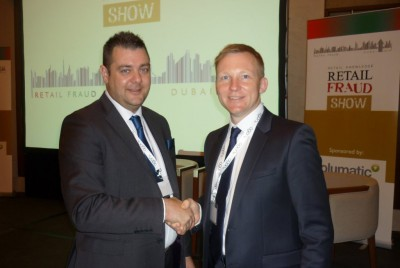 Sean Welch & Tony Sales shaking hands at the Retail Fraud Show 2014